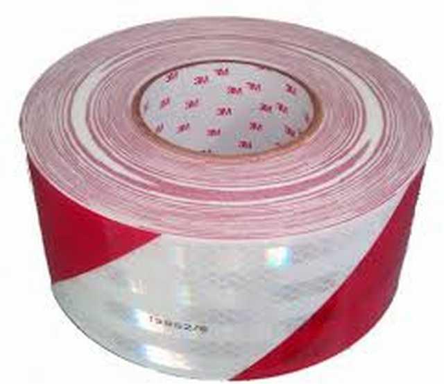 Rollo cinta reflectiva cebrada 45.7 mts x 5 cm